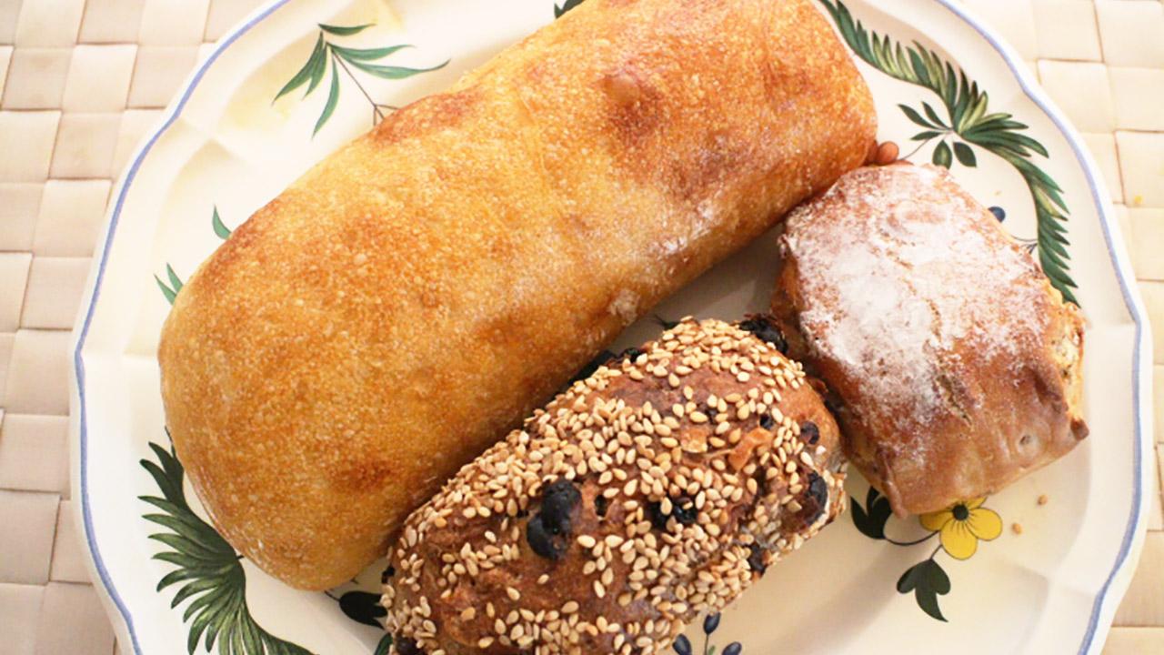 全粒粉と小麦粉の違いを知ってパンをパン屋さんに選びにいこう!!