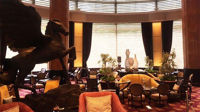 「恵比寿ウエスティンホテル」のペガサスが好きで、月1度はツンツンした高級ラウンジカフェに行きます