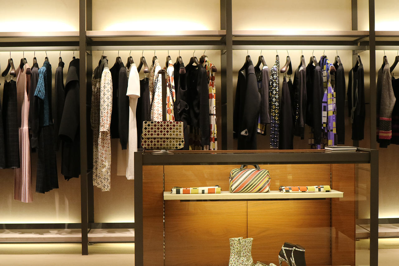 fashion-brand-designer-concept-08