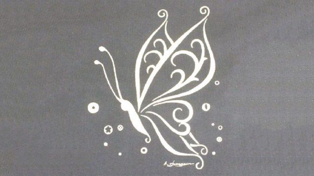 国産ならではのクオリティと美が結実した「黄金の蝶Tシャツ」で美的スタイル!