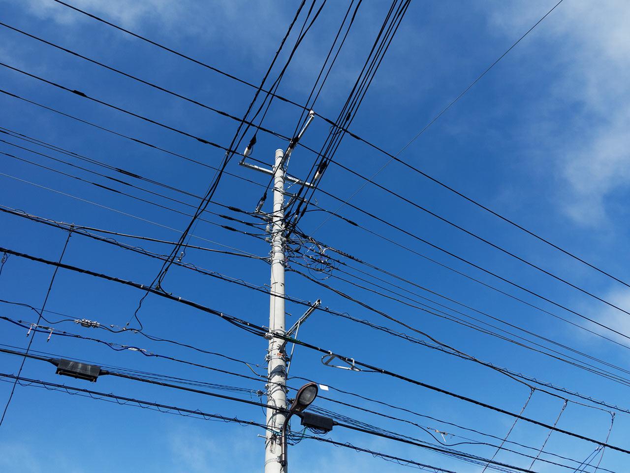 tokyo-telegraph-pole-01