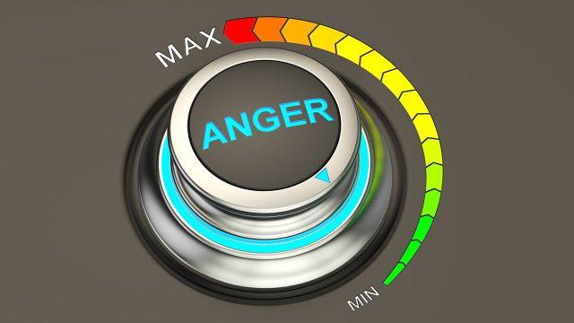 怒りのスイッチは誰が押しているのか?