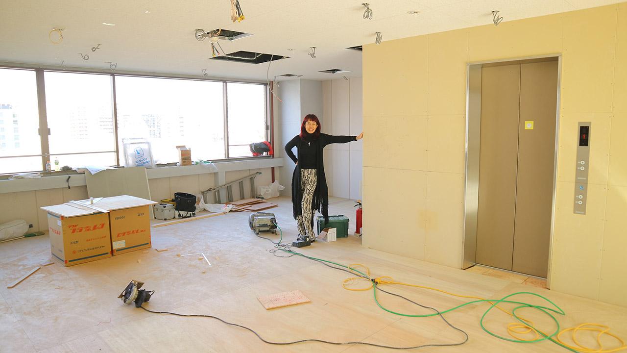 超ワクワクな空間プロデュース!!~スケルトンから内装工事の天井と床の土台ができた本日~