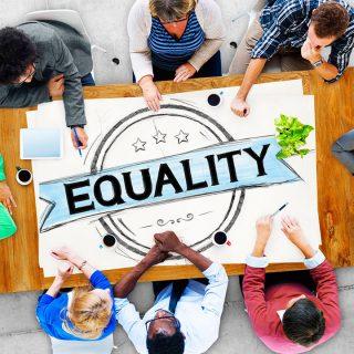 日本でも古い価値観の「差別」がなぜまだ終わらないのか?