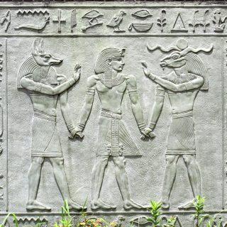 エジプトの壁画の半神半人は真実であった!?身長は4Mのアヌンナキが異種交配させた!
